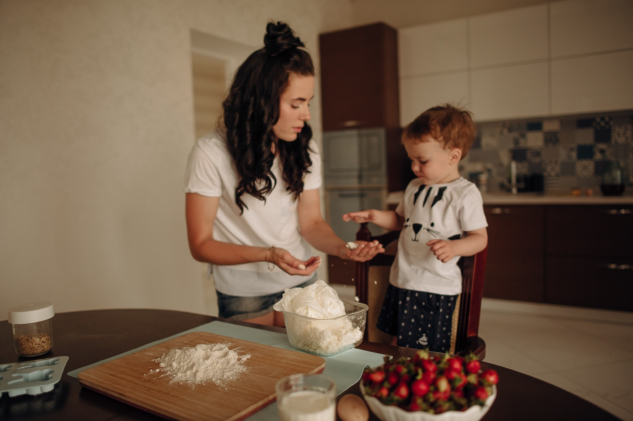 Cooking at home with strawberries
