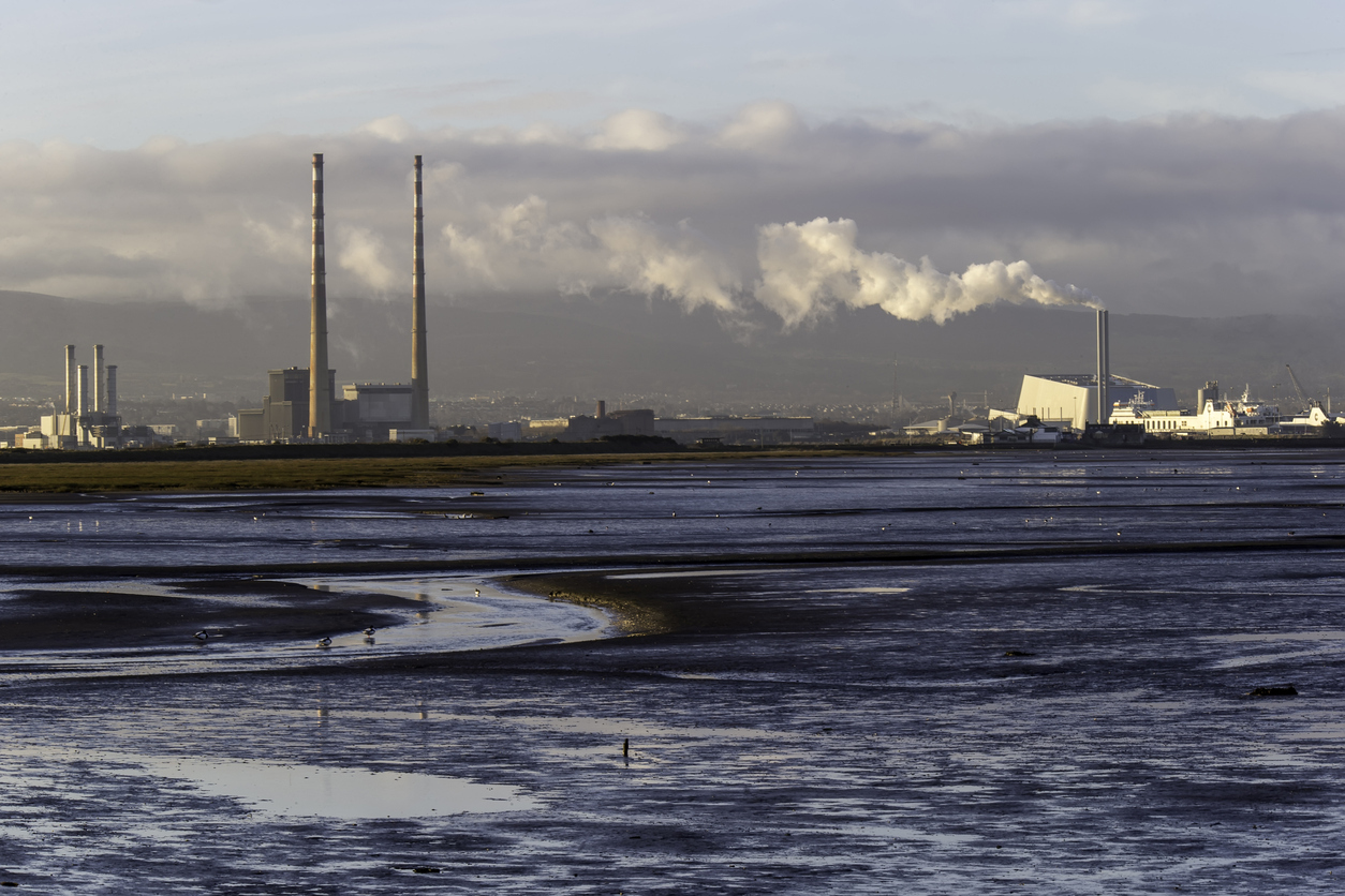 Poolbeg-towers-and-incinerator