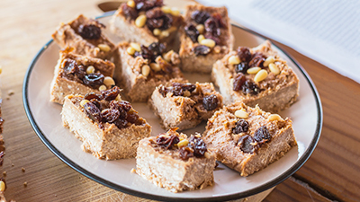 Oat & Date Cereal Bars Recipe